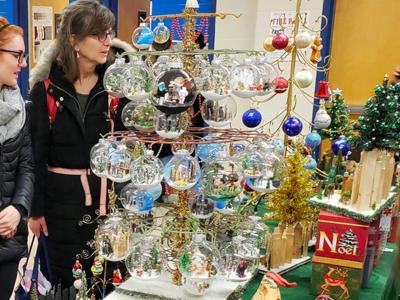 Grand holiday bazaar shopping