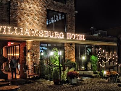 The williamsburg hotel exterior