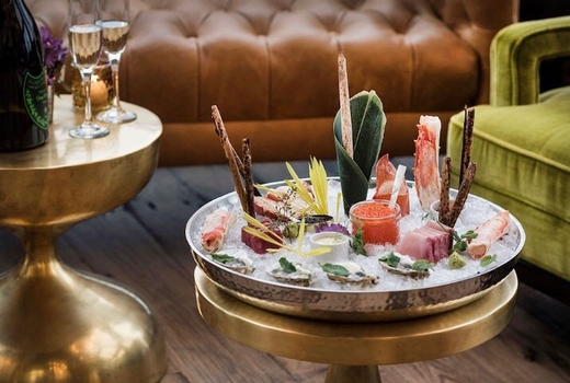 Williamsburg hotel nye raw bar