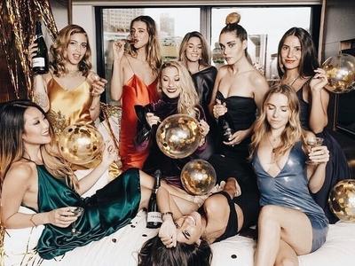 Arlo alb nye women friends