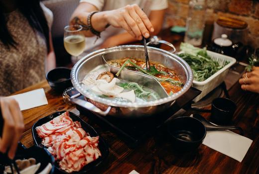 Sichuan hot pot eat up chopsticks
