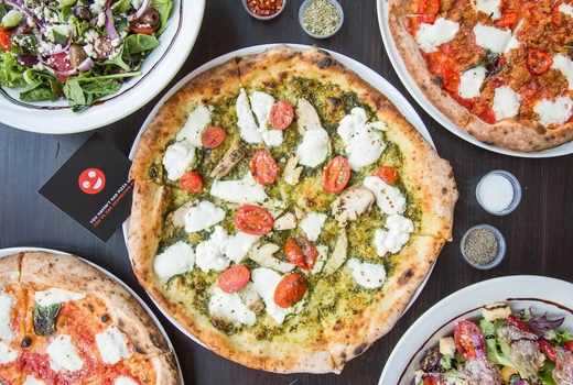 Midici pizza flatlay 1
