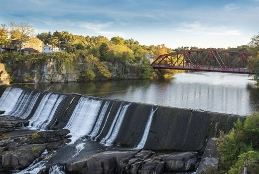 Diamon mills hotel waterfall