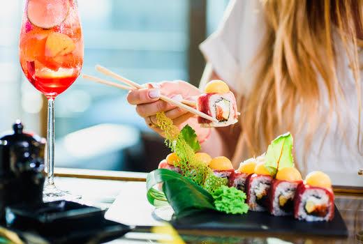 Shinsen brunch sushi girl cocktail