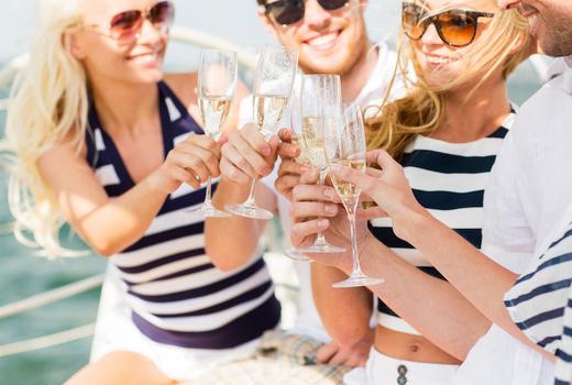 Manhattan by sail champagne brunch cheers