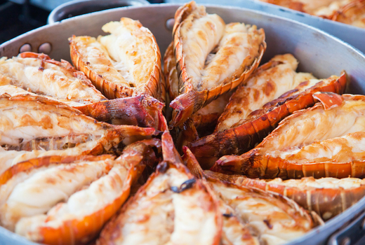 Shaking crab lobster tails