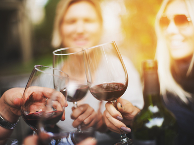 Hudson station cheers wine