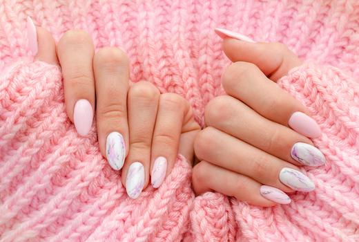 Akiko marble nail art 2